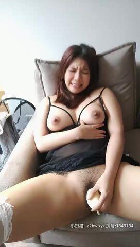 吴梦梦台湾麻豆女优居家直播全裸诱惑,穿上情趣装道具爆菊翘起性感大屁股